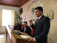 Douglas Tosta toma posse na Câmara Municipal