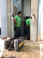 Elevador passa por reparos para garantir segurança para deficientes