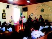 Escola do Legislativo realiza atividades com alunos da Icasu